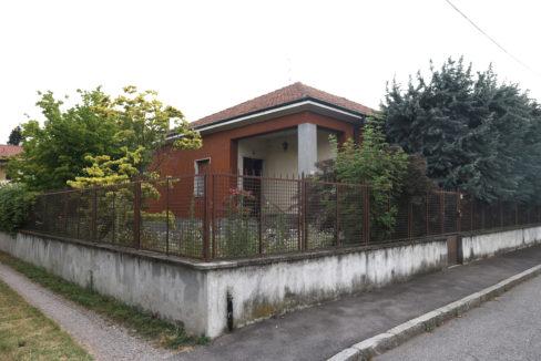 Villa singola con giardino in vendita a Busto Arsizio