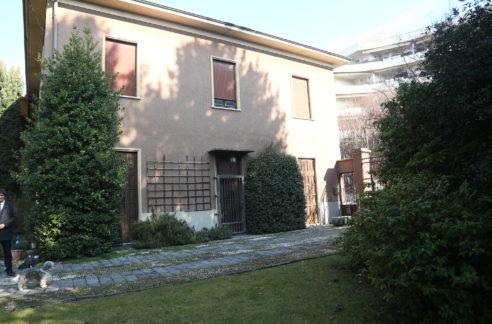 Villa d'epoca da ristrutturare a Busto Arsizio