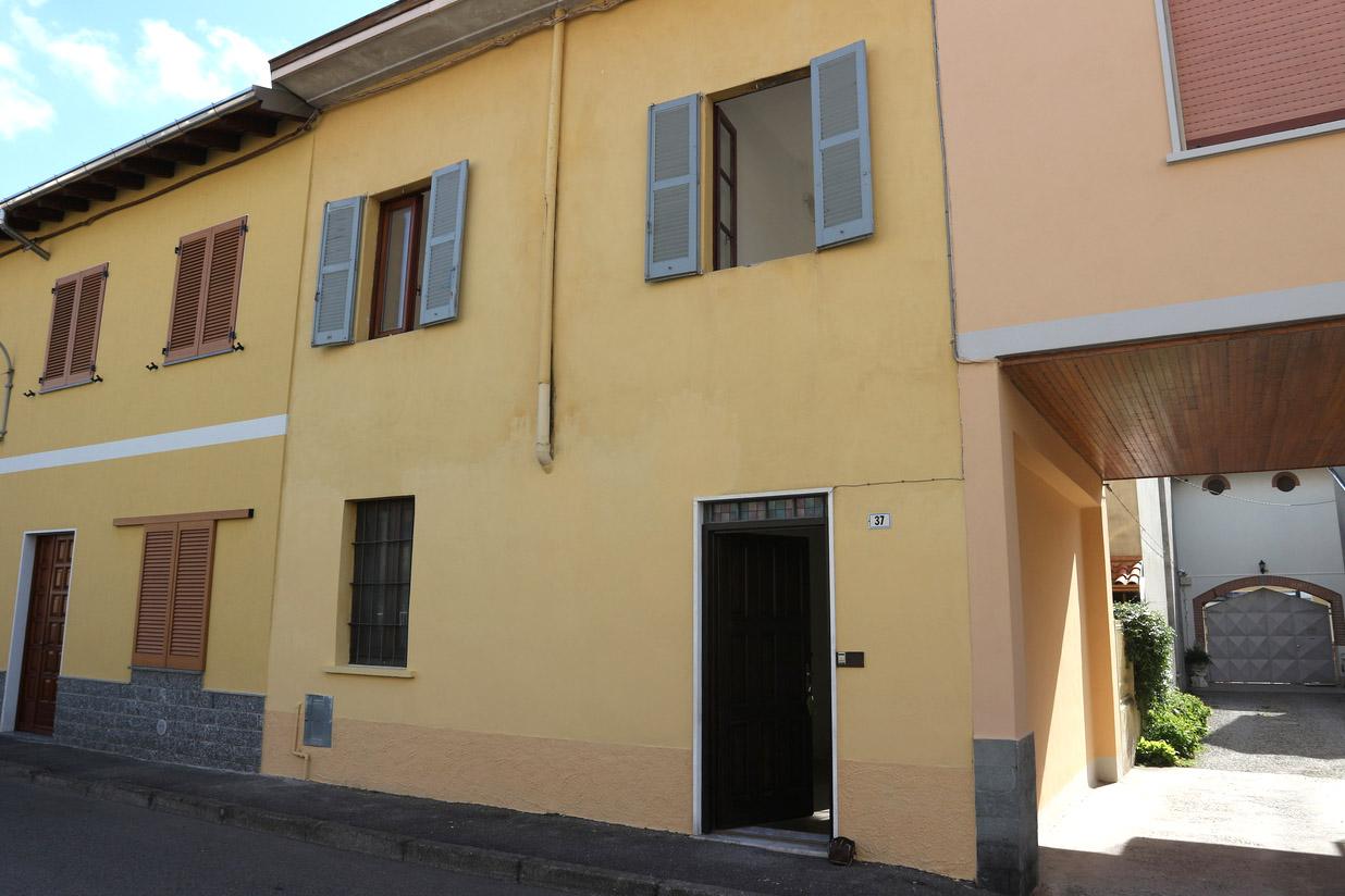 Trilocale  in vendita a Vanzaghello