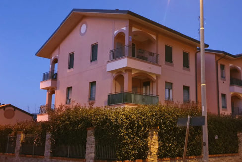 Appartamento trilocale in vendita a Busto Garolfo