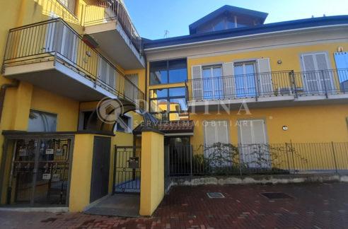 Appartamento trilocale con terrazzo e box Magnago