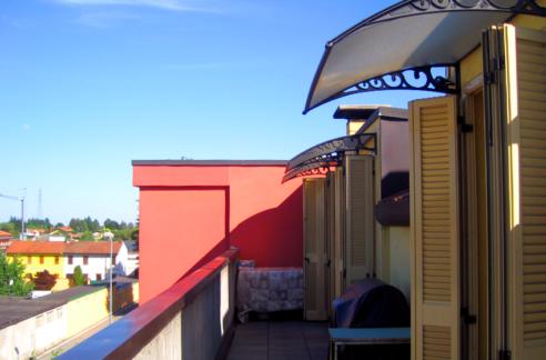 Appartamento con terrazzo a Robecchetto con Induno