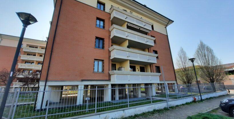 Appartamento bilocale in vendita a Busto Garolfo. Proponiamo luminoso appartamento bilocale con balcone sito Comune di Busto Garolfo. La soluzione si trova in posizione ben servita e ben collegata alle vicine cittadine di Legnano
