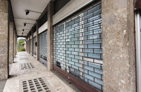 Ampi uffici e spazioso negozio