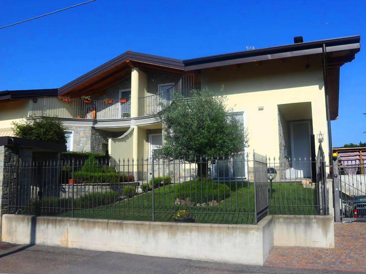 Villa con giardino in vendita a Magnago