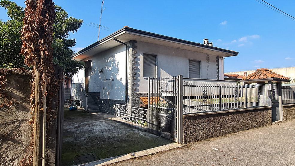 Villa in vendita Arconate