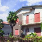 Villa con grande giardino in vendita a Dairago