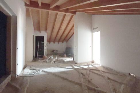 Appartamento in mansarda, in vendita a Dairago. Proponiamo in palazzina di recente costruzione questo splendido appartamento trilocale mansardato sito all'ultimo piano così composto: ingresso, ampio soggiorno, sala da pranzo,