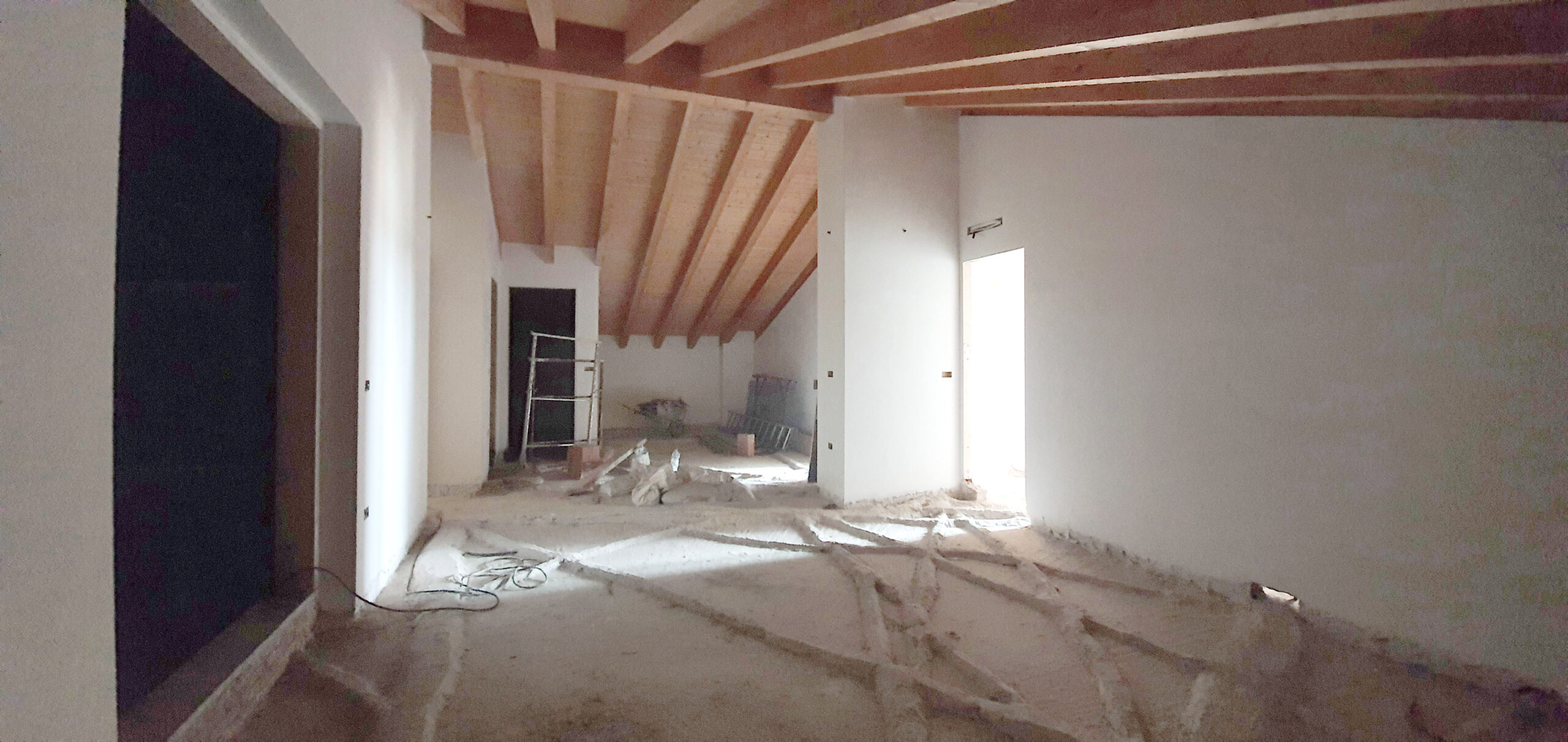 Appartamento in mansarda, in vendita a Dairago