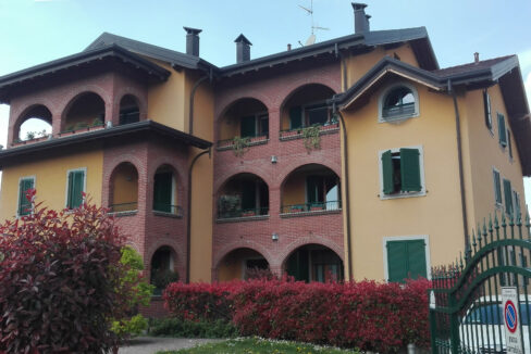 Appartamento con giardino in vendita a Busto Garolfo