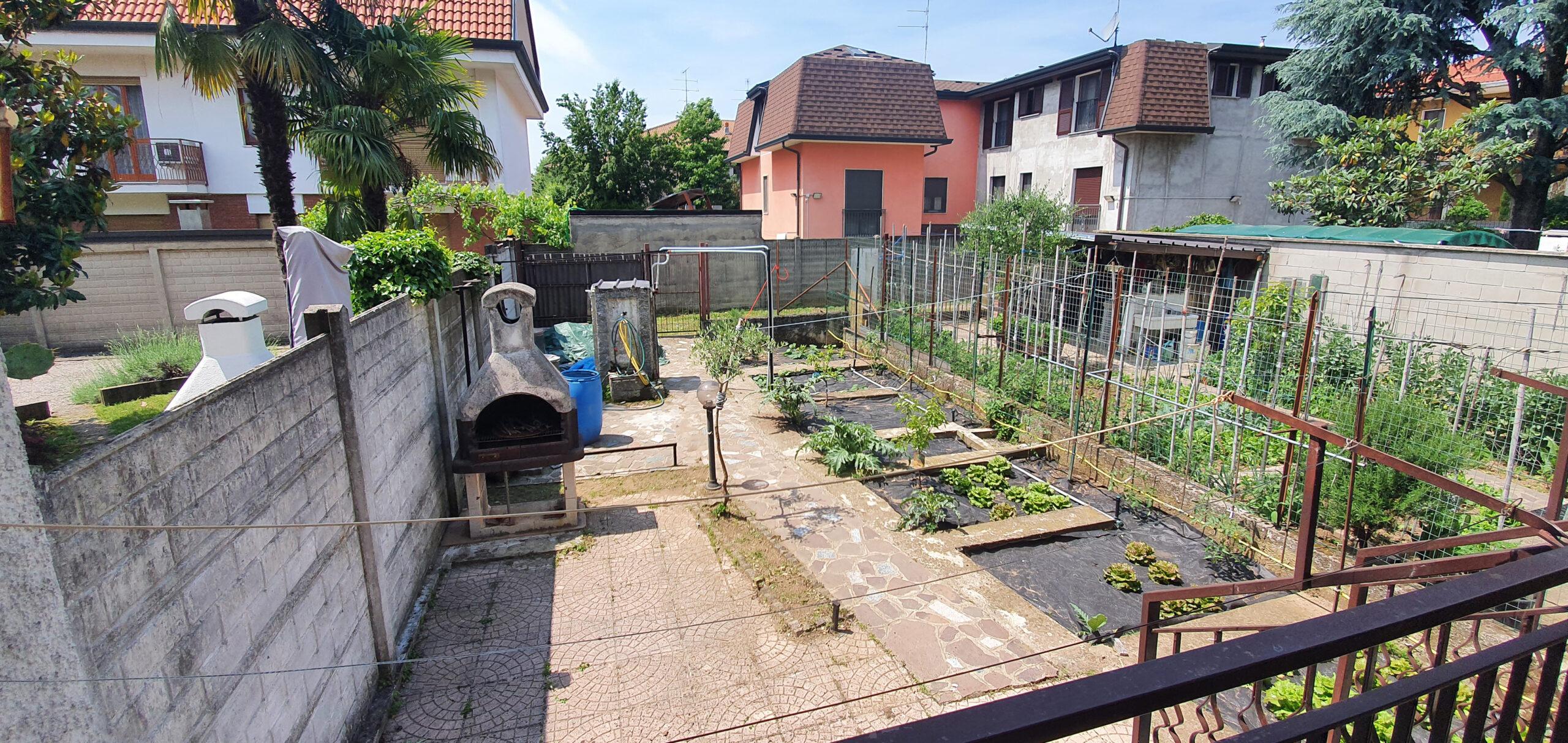 Villa a schiera con giardino in vendita a Dairago