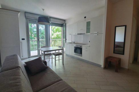 Monolocale con terrazzo in vendita a Legnano. L'appartamento proposto è di ben 30 mq e si trova al secondo piano di una palazzina signorile di recente costruzione, è servito da ascensore ed è così disposto: ingresso, luminosa zona giorno/notte