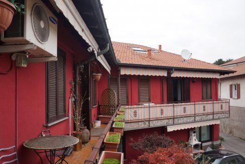 Nel comune di Buscate, in zona centrale e ben servita, proponiamo in vendita un meraviglioso appartamento sito primo piano.